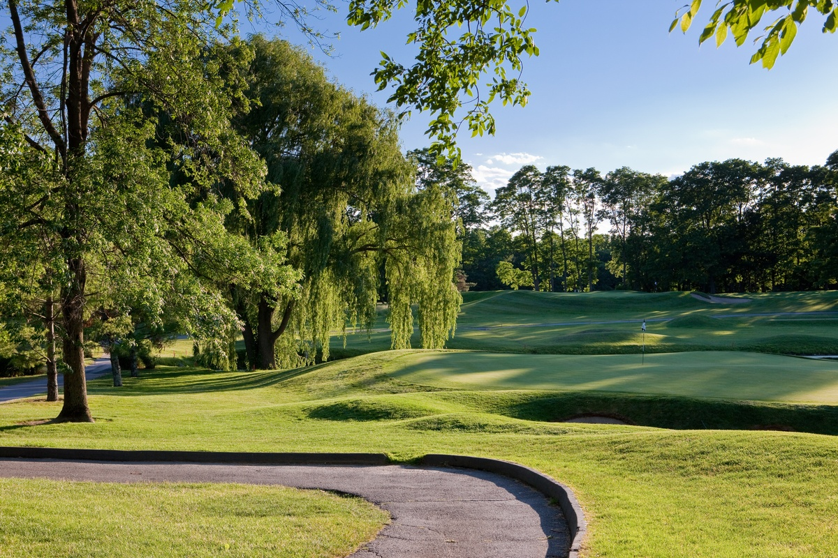New, beautiful Summit Club golf course, Westchester